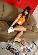 http://galleries.ferronetwork.com/fhg/nylonfeetline/pictures/5400_1/lara-showing-her-sweet-feet.shtml?askjolene