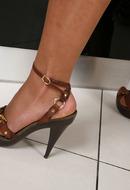 http://galleries.ferronetwork.com/fhg/nylonfeetline/pictures/5403_1/linda-pretty-nylon-feet-teaser.shtml?ferroc98833