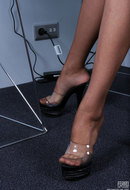 galleries ferronetwork fhg nylonfeetline pictures 5656_2 mika-flashing-her-sexy-feet