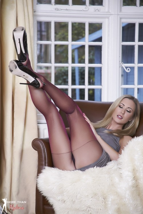 galleries morethannylons galleries photos little-miss-twinkle-toes