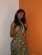 galleries mysexydivya pictures divya_after_party_in_bedroom