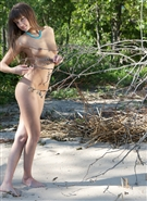 galleries2 ptclassic amour-angels hottie-on-beach-sand