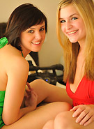 http://galleries5.petiteteenager.com/2/daniellethreesome/