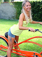 http://galleries5.petiteteenager.com/2/lovetakearide/