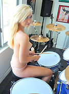 http://galleries5.ptclassic.com/3/ftv-girls-jayde-drummer-girl/