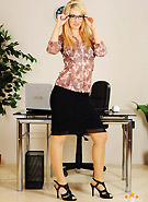 http://galleries5.ptclassic.com/3/katie-k-stripping-secretary/