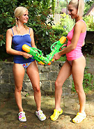 http://galleries5.ptclassic.com/3/pinky-june-water-pistols/