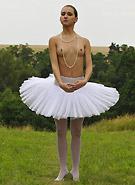 http://galleries6.petiteteenager.com/7/metartzita/