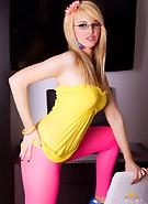 galleries6 ptclassic 17 katie-k katie_wearing_pink_tights