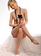 http://galleries6.ptclassic.com/17/met-art/metart-cute-blonde-lili/