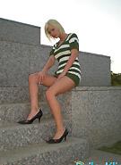 http://galleries8.petiteteenager.com/4/baileykline/marblestep/