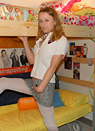 http://galleries8.petiteteenager.com/4/fdau/trainspt/