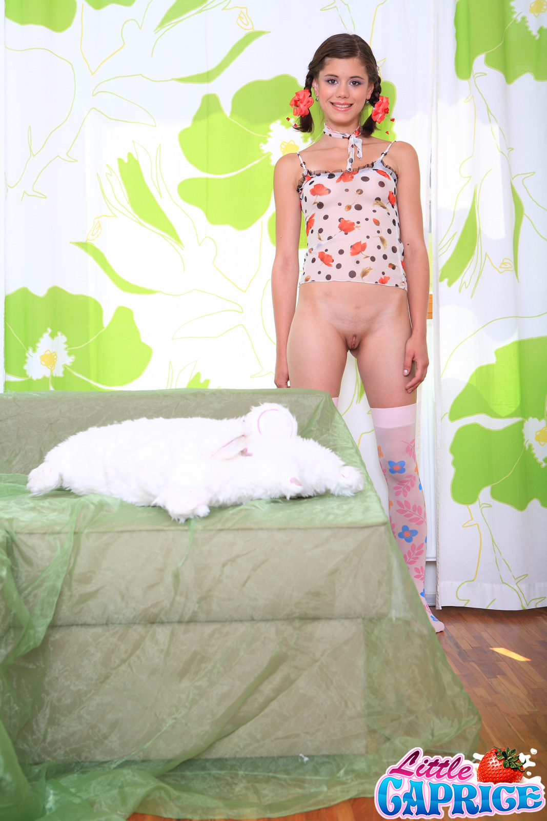 Ретро порно девушки с косичками брюнетка 22 фотография