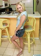 http://galleries9.petiteteenager.com/1/dejainthekitchen/