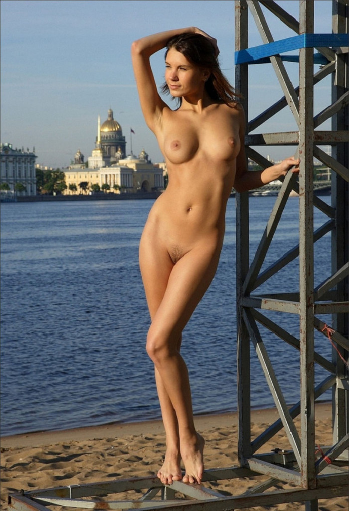 russiasexygirls 202302 very-beautiful-and-tall-girl-posing-at-early-morning