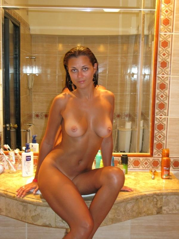 russiasexygirls 13099 lovely-girl-with-big-boobs-in-the-bath