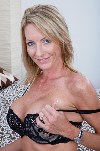 galleries naughtyamerica gallery us 23 4901 16359 unified_picture mrs_starr_anal