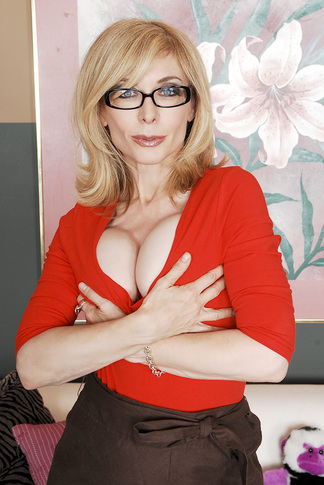 http://galleries.naughtyamerica.com/gallery/us/23/4365/15719/unified_picture/nina_hartley6/?nats=Njk2Ny40LjUuNS4wLjEwMzg2NjUuMC4wLjA