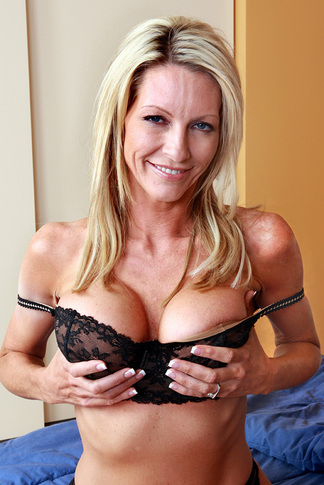 galleries naughtyamerica gallery us 23 5095 16633 unified_picture mrs_starr4