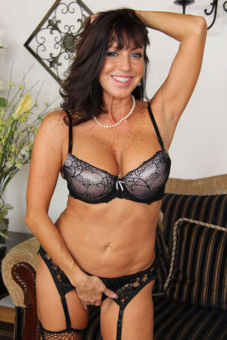 galleries naughtyamerica gallery us 23 3541 14871 0 tara_holiday6