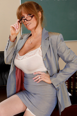 http://galleries.naughtyamerica.com/gallery/us/23/3137/14437/unified_picture/darla_crane8/