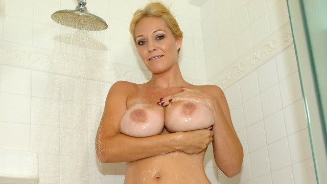 http://galleries.anilos.com/mgpbig/charlee_chase/hot_moms_pic/