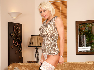 galleries anilos mgpbig jan_burton mature_wife