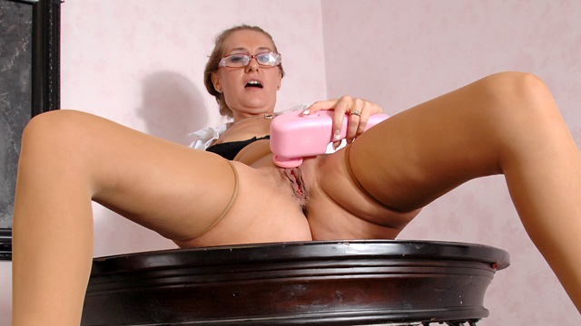 galleries anilos mgp sara_james milf_hand_job