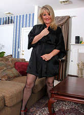 http://galleries.anilos.com/samples/bobbie_jones/nn/blonde_milf/