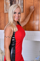 http://anilos.com/galleries/dani_dare/4v_mature-housewife/photos/
