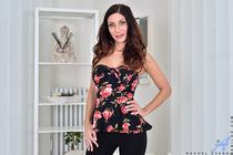 http://anilos.com/galleries/rachel_evans/2v_in-bloom/photos/