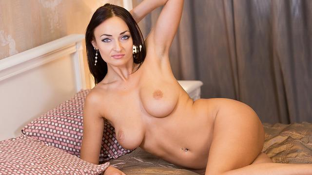 http://www.anilos.com/women/suzie.html?id=