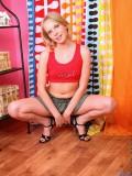 http://galleries.nubiles.net/samples/dinna/hot-girl-teen/