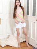 http://www.littlethumbs.com/samples/laura/nn/cute-girls/