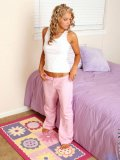 http://www.littlethumbs.com/samples/laura/nn/girl-models/