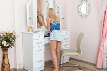 http://nubiles.net/galleries/stefy_shee/1v_mini-skirt/photos/