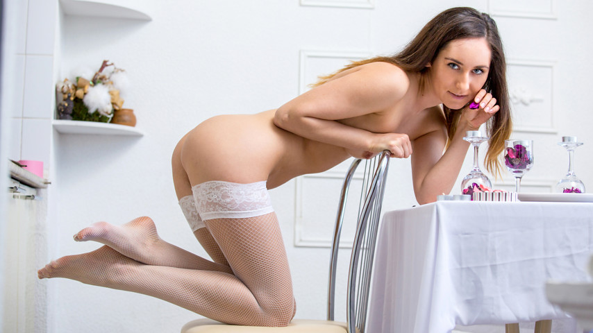 http://galleries.nubiles.net/video/sabrine/1v_fishnet-stockings/