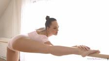 petiteballerinasfucked galleries flexible_dancer_swallows_cum screenshots