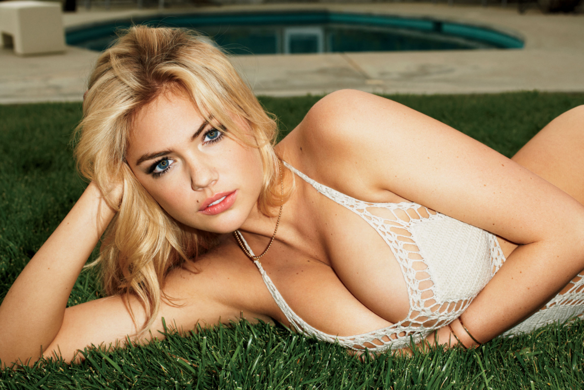 images5 fanpop image photos 31300000 GQ-July-2012-kate-upton-31310113-2048-1366 jpg
