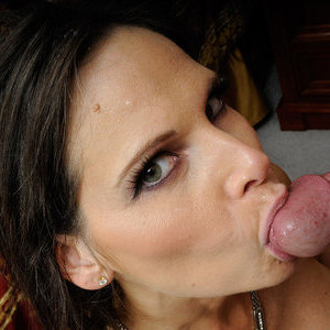 img freshmilfs fhg mature-slut-syren-demer-has-crazy-hot-sex-233