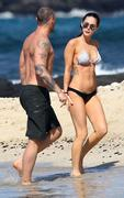 http://www.garblenuts.com/2012/02/quickie-megan-fox-in-a-bikini/