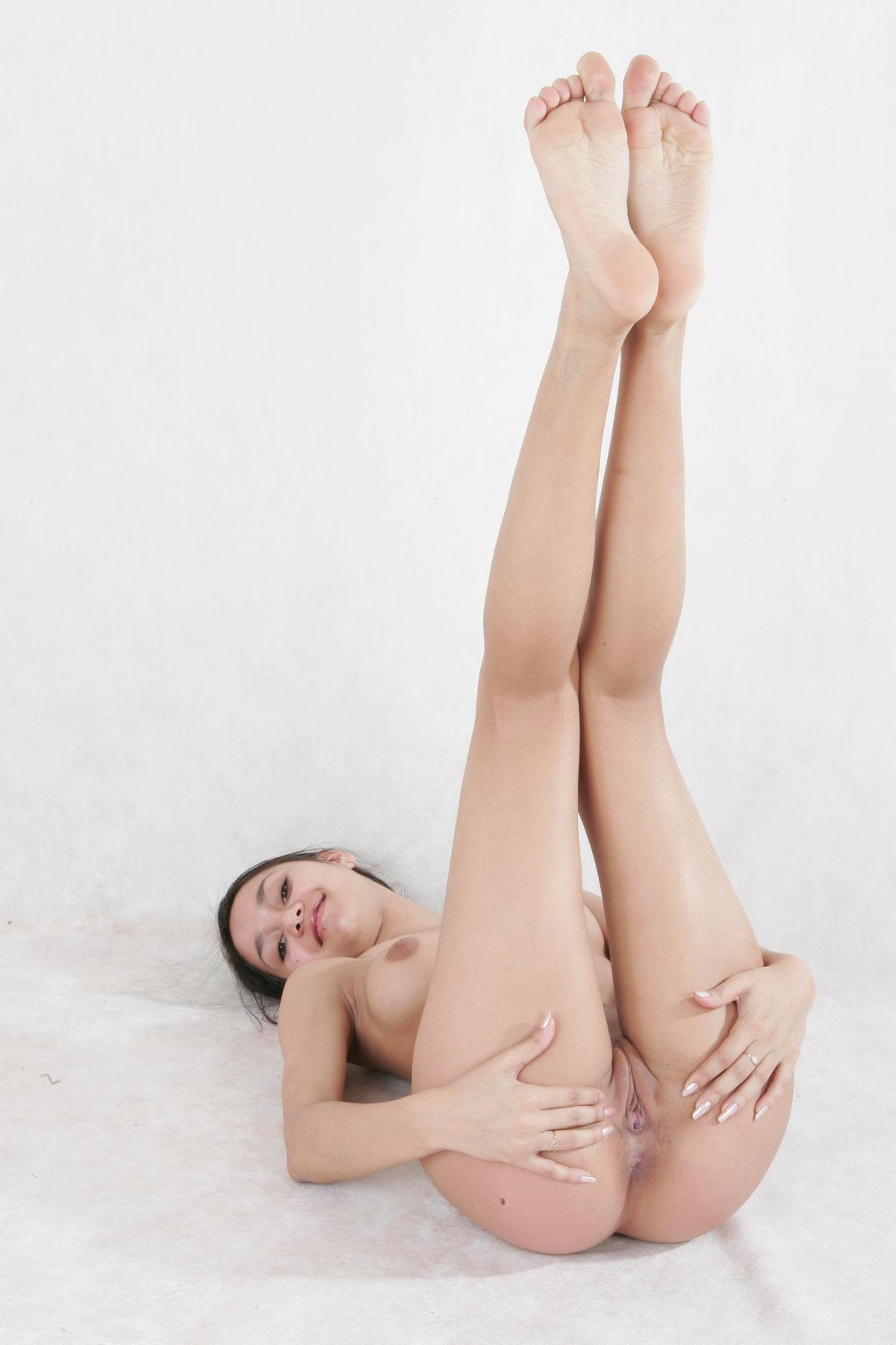Russian girl masturbate on webcam 8