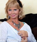 pinksmilfs karups-ow cathy-oakley-mature-strips-and-toys 3321