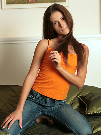 http://promo.averotica.com/gals/20080310-198-jaqueline/