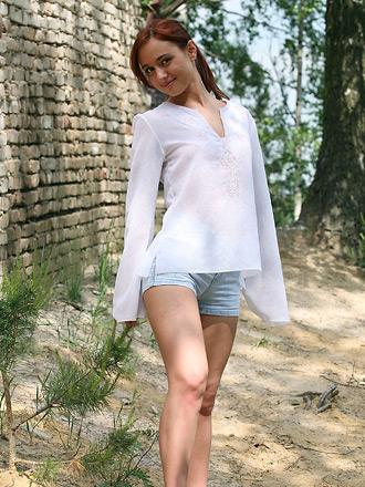 http://promo.averotica.com/gals/20091012-606-cherry/