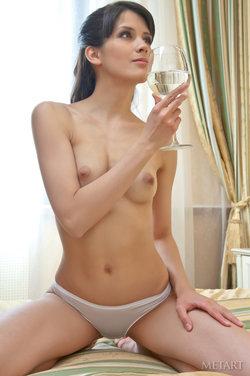 http://profiles.met-art.com/profile/63b89ec0c0a076443d05aba7c2f570d4/