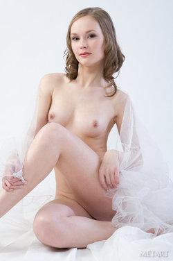 http://profiles.met-art.com/a0b3a6d1d995cdda2126e5b8239490ce