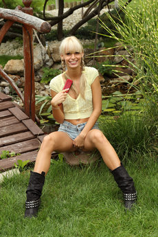 fhg alsscan 2013-03-07 COUNTRY_GIRL