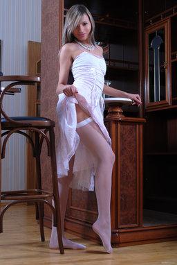 http://fhg.eroticbeauty.com/2012-12-26/PRESENTING_NATALI_Z/