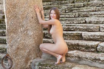 http://fhg.eroticbeauty.com/2015-06-23/PRESENTING_MONIKA_F/
